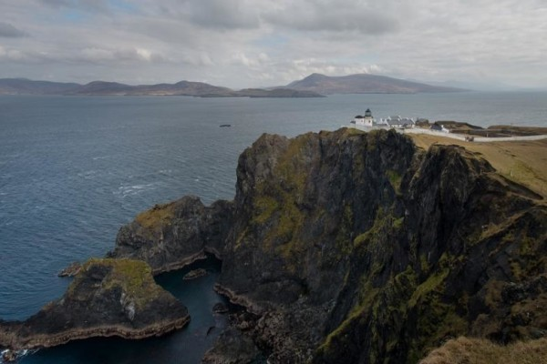 HH-Clare-Island-Lighthouse-Irelan-view