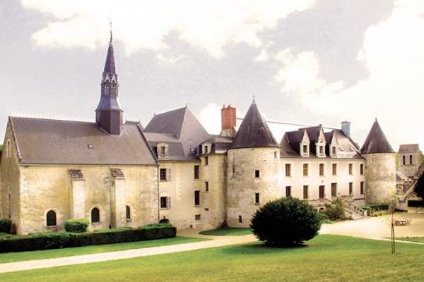 HHE-Chateau-de-Reignac-France