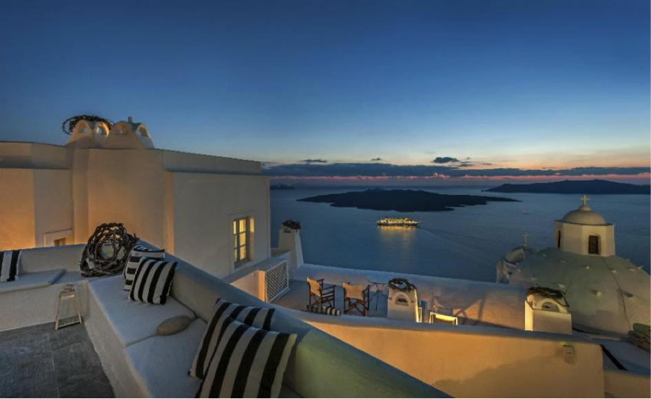 Aigialos-Hotel-Santorini