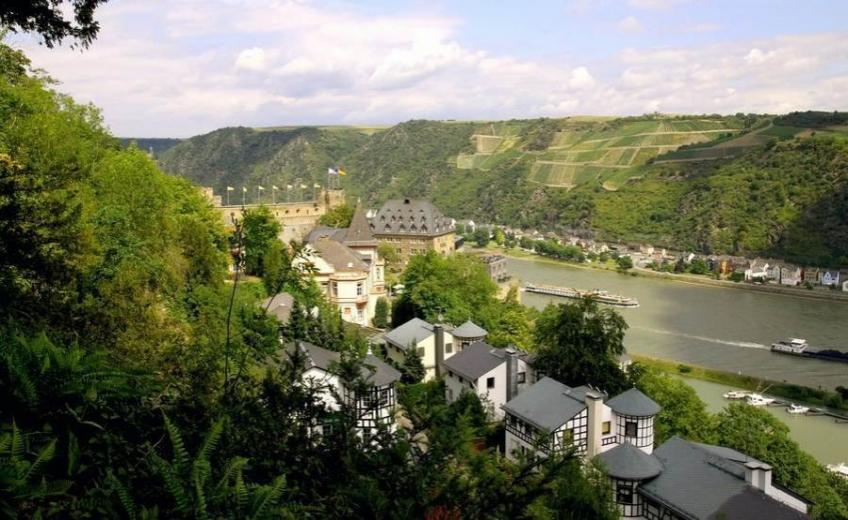 romantik-hotel-castle-rheinfels-germany