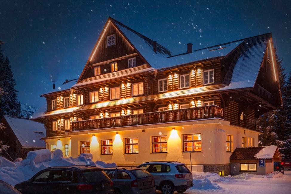 hotel-mikulasska-chata-jasna