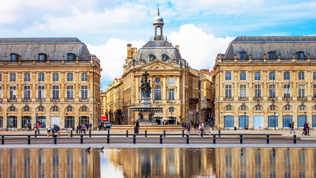 39366807 - bordeaux place de la bourse
