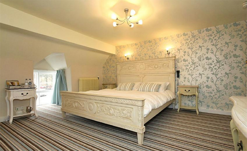 The-Hand-at-Llanarmon-Wales-room