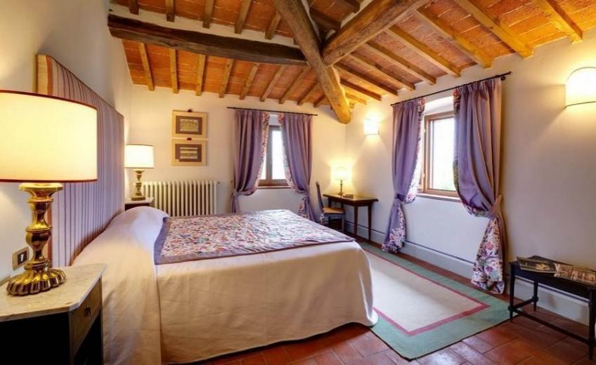 Villa-Le-Barone-Tuscany-room