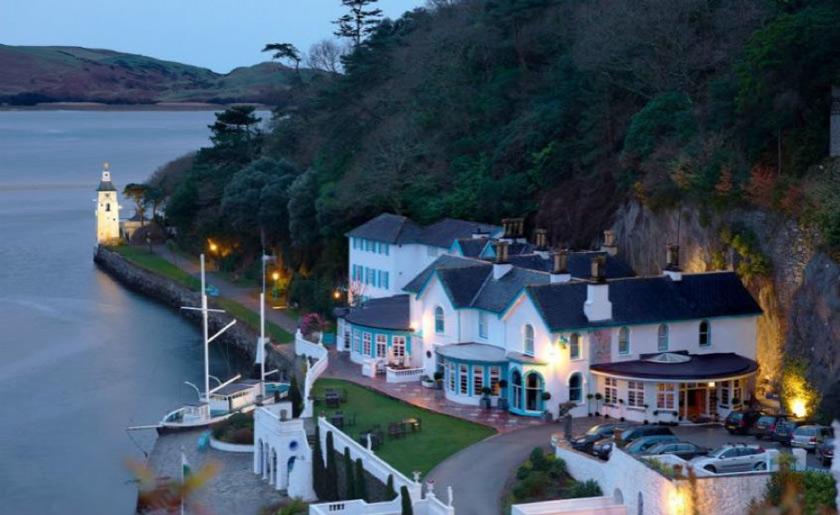 Hotel-Portmeirion-wedding-Wales