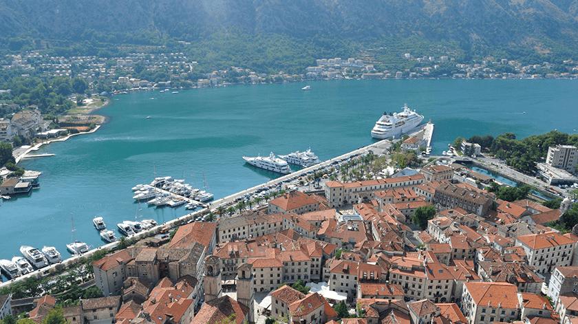 Bay-Montenegro