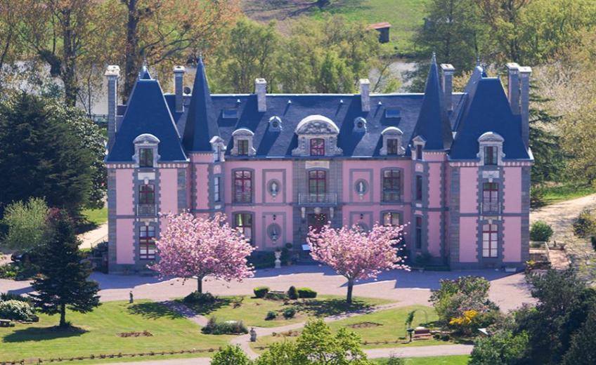 Chateau-Hotel-du-Colombier-France