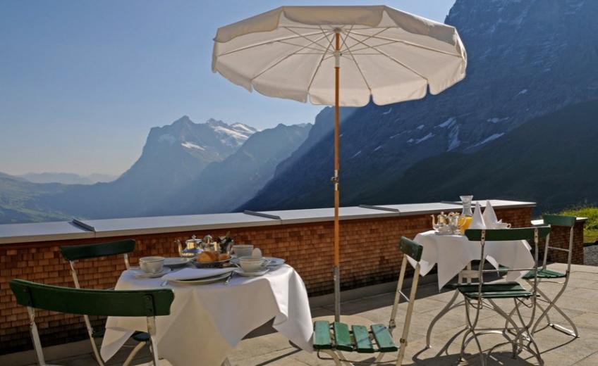 Hotel Bellevue des Alpes, Restaurant