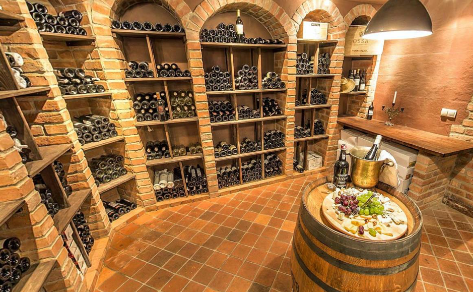 Dwor-Sierakow-Wine-Cellar