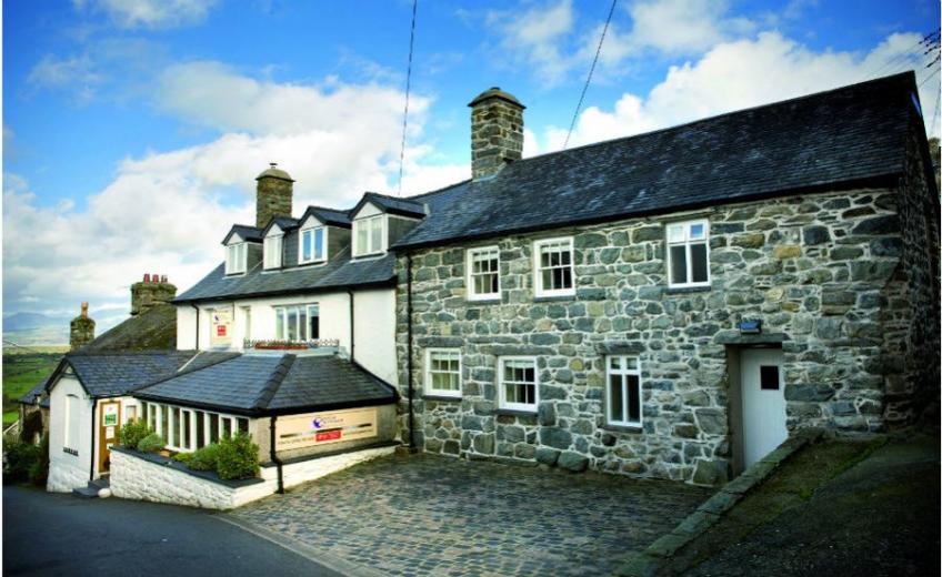 Castle Cottage, Wales