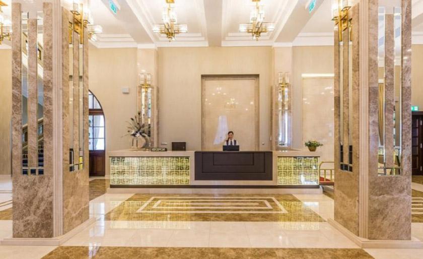 Hotel-Royal-Palace,-Slovakia