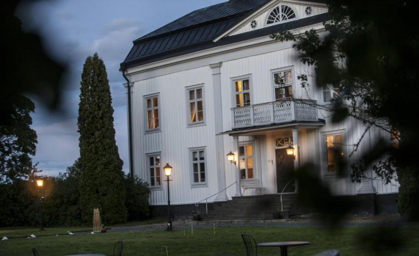 Wallby Manor, Sweden