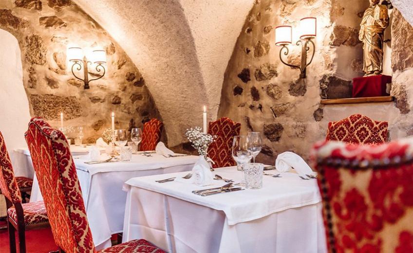 Hotel-Castel-Rundegg-Meran-Italy
